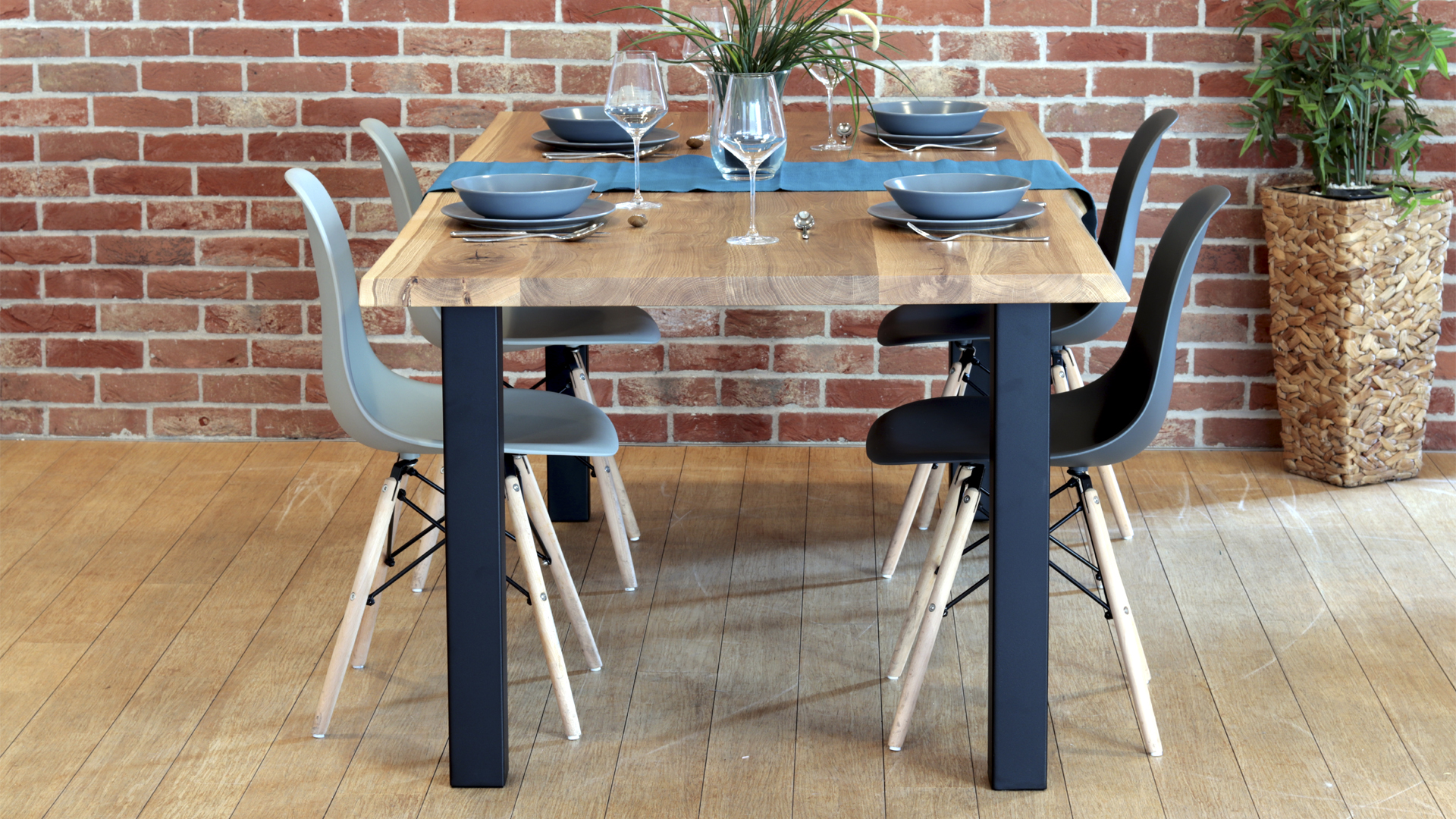 Stół dębowy industrialny