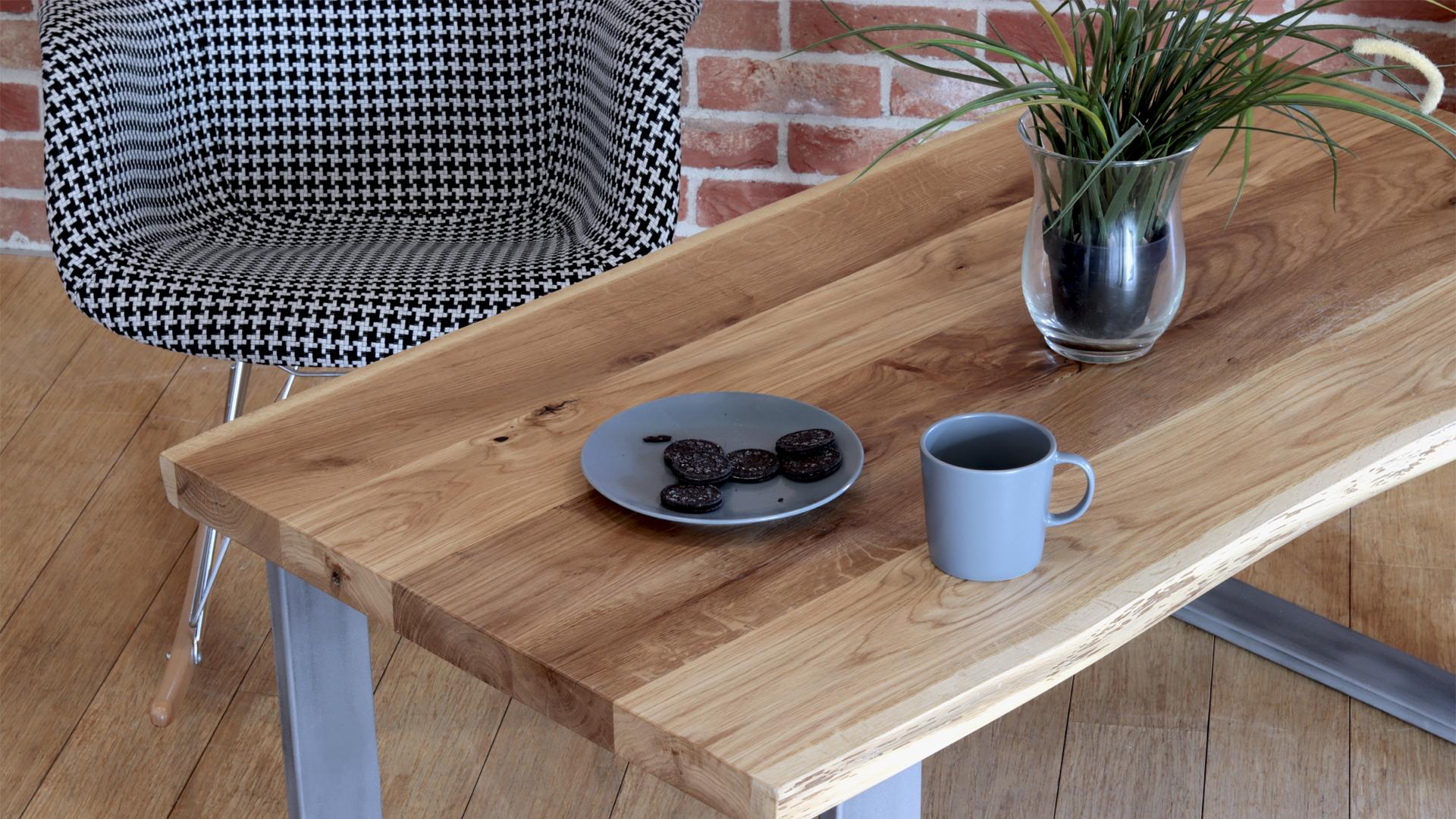 Kawowy stół industrialny