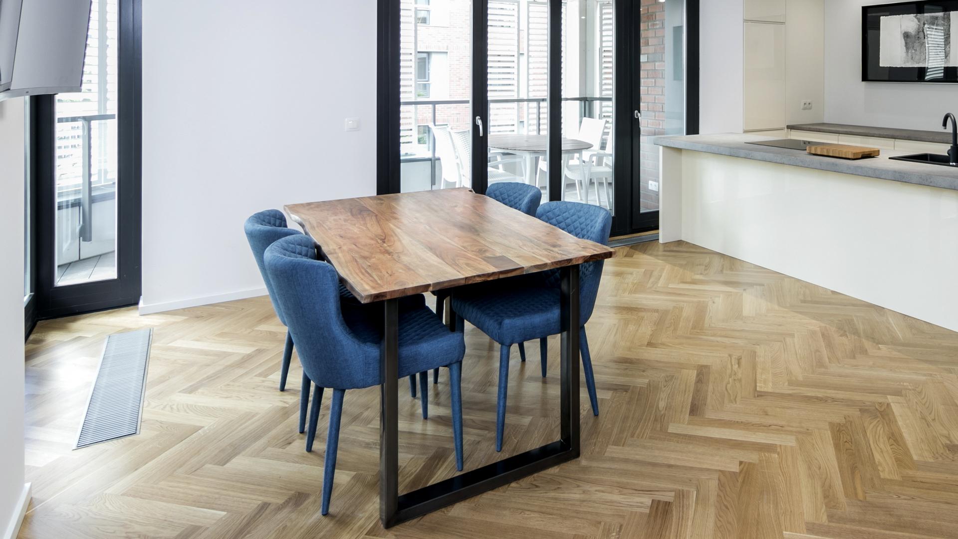 industrialne stoły