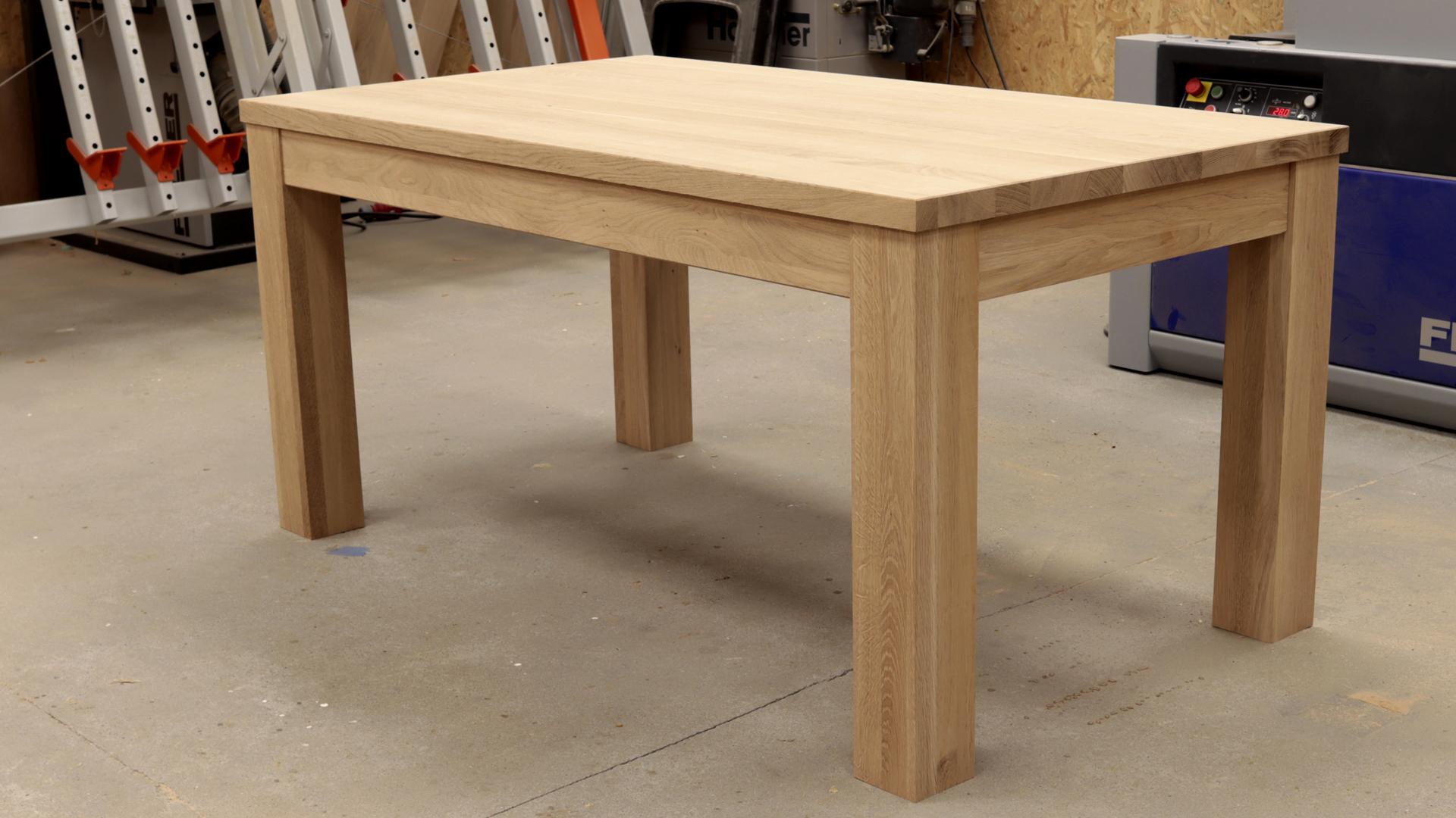 Stół z rozsuwanym blatem